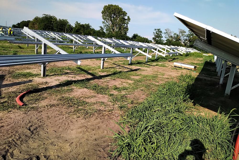 SL Rack Freiflächensystem - 2V | Standort: Ungarn | Leistung: 6,2 MWp