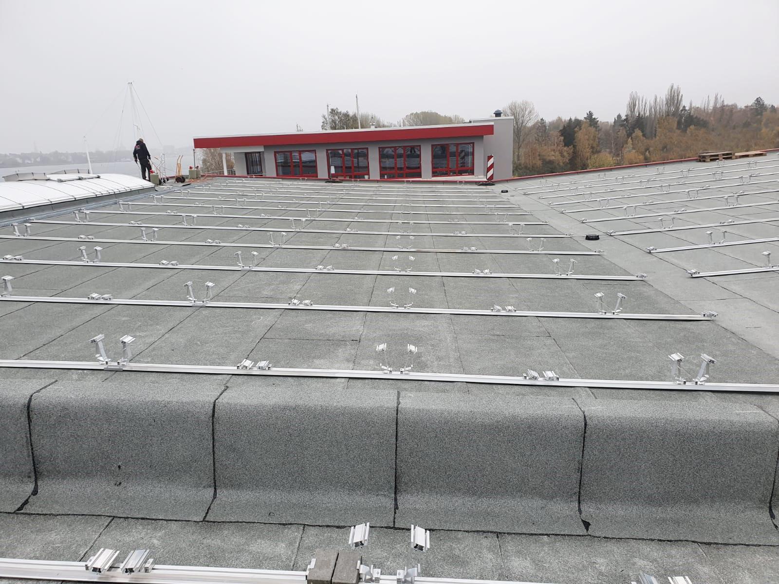 SL Rack Flachdachsystem FLA OW | Standort: Mecklenburg-Vorpommern, Deutschland | Leistung: 280 KWp